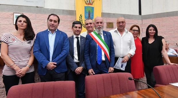 L'attuale giunta: entro pochi giorni cambieranno due o tre interpreti a meno di ripensamenti del sindaco Tedesco