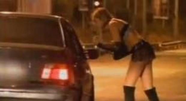 Fino a Rimini per andare a prostitute a 85 anni, mille euro di multa al cliente 'nonno'