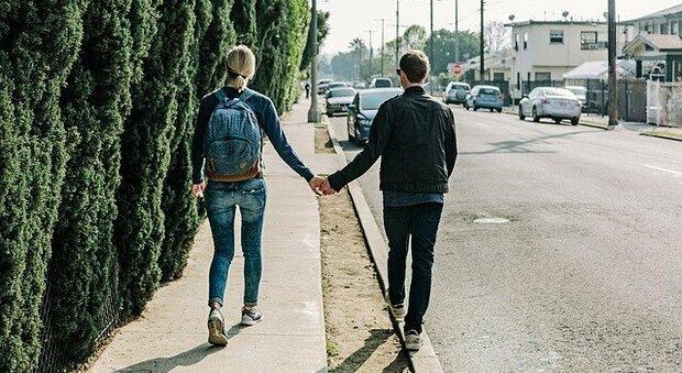 La coppie nate su app di incontri sono più inclini a relazioni durature: lo studio svizzero spiega il perché
