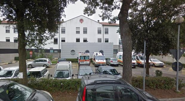 Rovigo, focolaio in casa di cura: contagiate 10 persone, 7 sono ultraottantenni: all'ingresso erano negativi