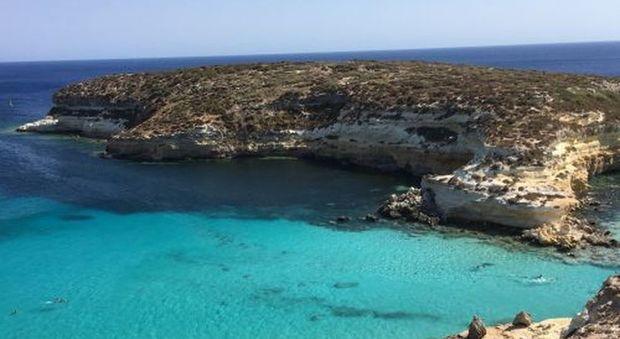 Matrimonio In Spiaggia Lampedusa : Spiagge più belle tripadvisor premia ancora lampedusa la classifica