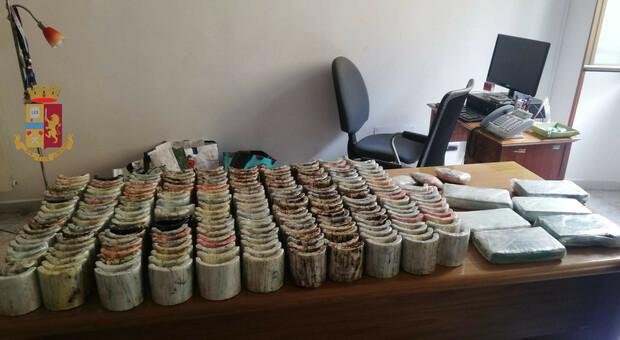 Roma, maxi sequesto della polizia: 50 chili di cocaina, 50 chili di hascisc e 390.000 euro in contanti