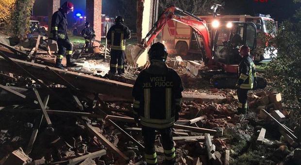 Esplosione ad Alessandria, il procuratore: «Esplosione voluta, trovato un timer»