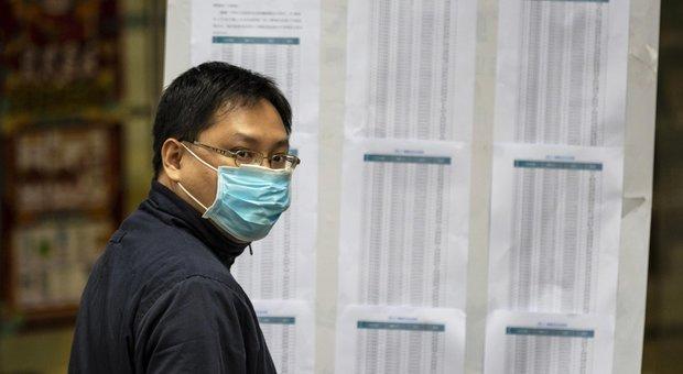 Coronavirus, cure e medicine: tutte le bugie sull'epidemia