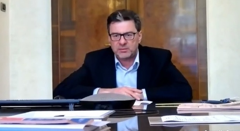 Obbligati a crescere, Giorgetti: «Con la crisi lo Stato non può tirarsi indietro»
