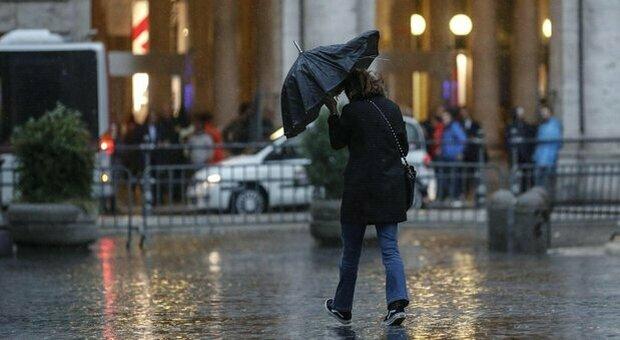 Allerta meteo domani nella Capitale e in tutto il Lazio: la Protezione civile prevede possibili forti temporali