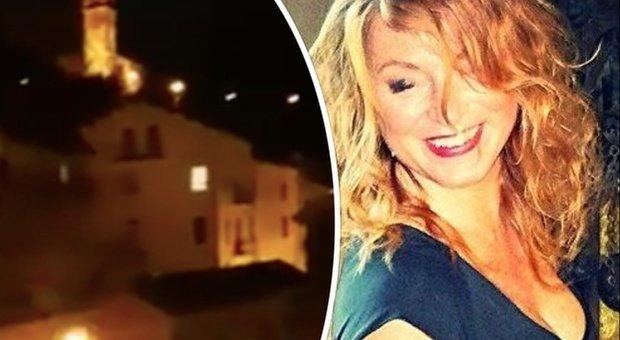 Coronavirus, flash-mob dai balconi: la cantante partecipa dal terrazzo ma i vicini chiamano i carabinieri