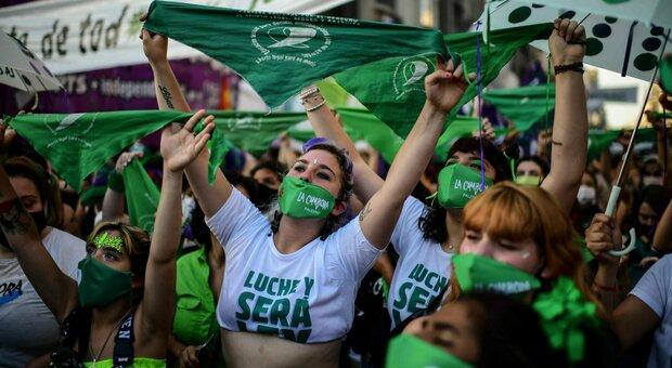 Argentina, aborto legale: ok del Seanto dopo l'approvazione della Camera dei deputati