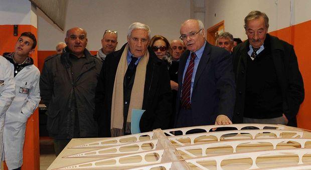 Il professor Aldini illustra lo stato di avanzamento dei lavoro al presidente del Senato, Franco Marini