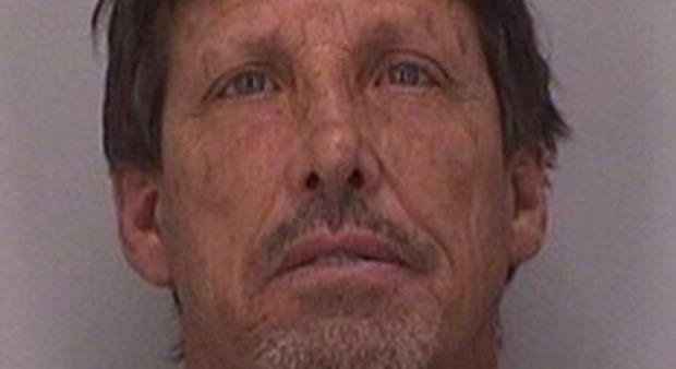 Usa, sente rumori e crede ci siano i ladri in casa: 58enne spara e uccide il figlio