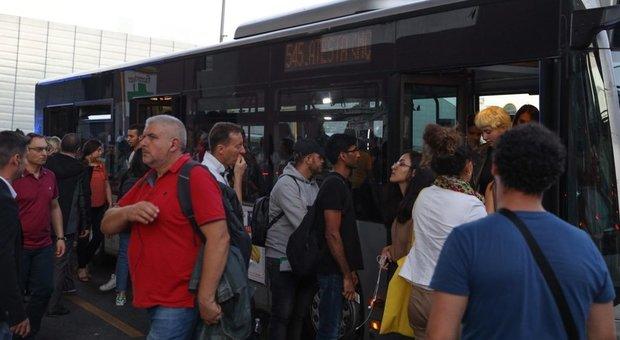 Roma, sciopero Ama e Atac: il 25 ottobre sarà venerdì nero per metro e bus