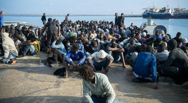 Libia, Guardia costiera spara sui migranti: 2 morti e 5 feriti