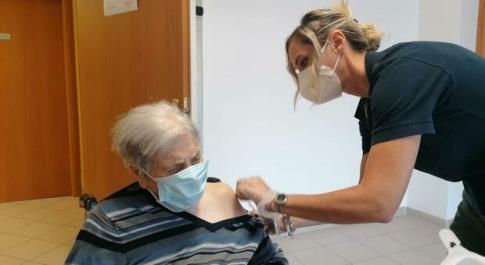 Vaccino Lazio, D'Amato: «Terza dose insieme ad antinfluenzale dalla prossima settimana»