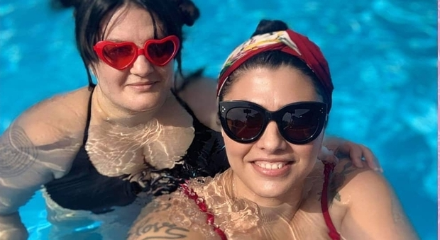 """""""Belle di faccia"""", la campagna delle influencer curvy su Instagram: «Stop all'odio per i grassi»"""