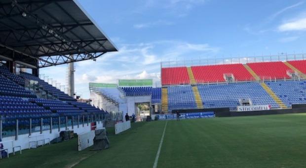 Cagliari-Inter, partita posticipata per problemi tecnici alla regia: in campo alle 12.45