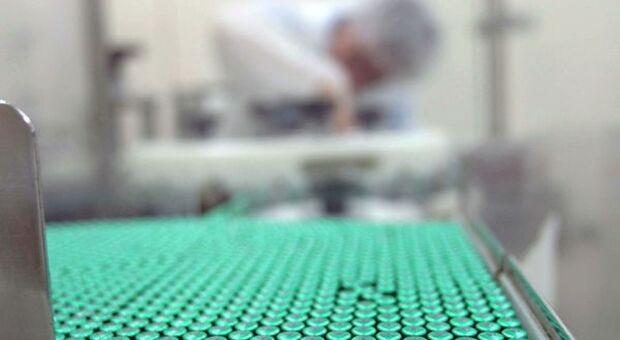 Covid, vaccino Aztrazeneca-Oxford efficace al 70%
