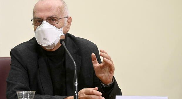 AstraZeneca sospeso in Italia, lo stop Aifa: «Presto indicazioni a chi ha già avuto prima dose»