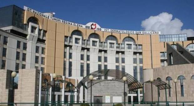 Roma, l'ospedale deve risarcire i fratelli di una donna morta ma i soldi non ci sono: l'assicurazione è scaduta