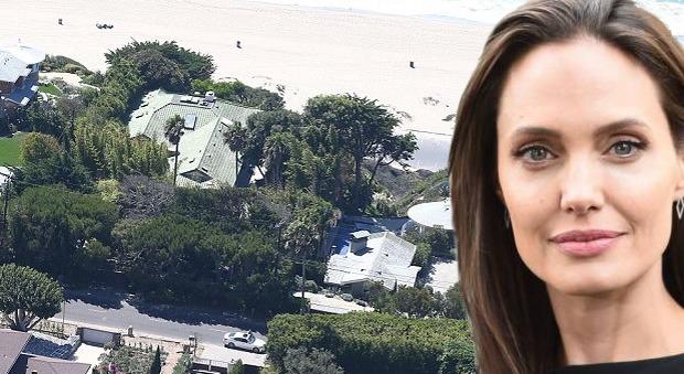 Angelina Jolie saluta Brad Pitt e se ne va a Malibù: affittata supervilla da 95mila dollari al mese