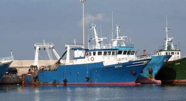Risultati immagini per immagini di sequestri di pescherecci