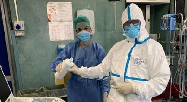 Coronavirus, il medico del Dea: «L'ecografia polmonare può aiutare a identificare i falsi negativi»
