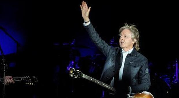 «Hey Paul torna in Italia», il video dei fan di Macca