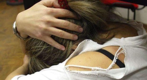 Terapia di gruppo per gli uomini violenti: «Curarli per salvare le donne»