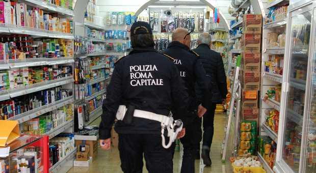 Roma, stretta sui negozi etnici di San Paolo: oltre 10mila ...