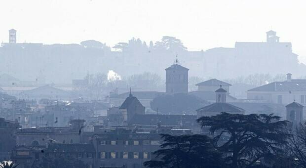 Clima, la Ue trova l'accordo sul taglio di emissioni: obiettivo neutralità nel 2050