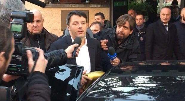 Pd, Renzi parte per gli Usa: addii addolorano, ma ora rimettersi in cammino
