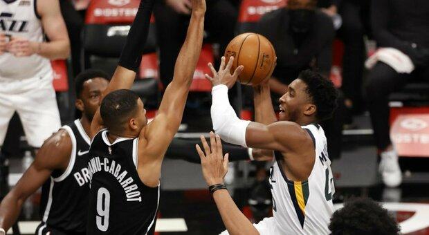 NBA, Utah vince ancora: sesto successo consecutivo. Denver batte OKC