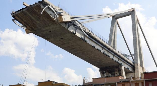 Genova, inchiesta sul ponte Morandi. La procura accusa: «Fu un crollo doloso»