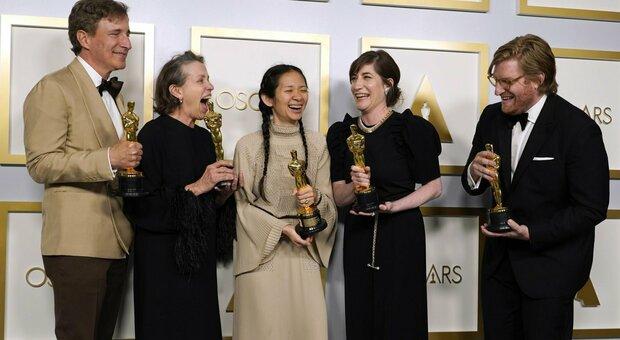 Oscar 2021: vince Nomadland di Chloé Zhao. Anthony Hopkins miglior attore. Delusione Laura Pausini