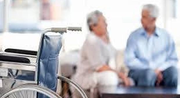 Anziani nella casa di riposo