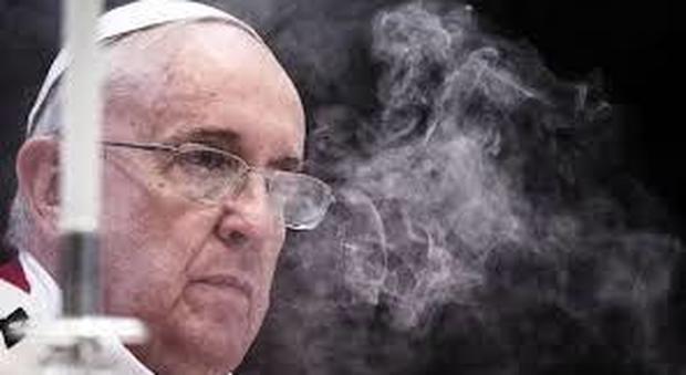 Altri guai per Bergoglio, in Vaticano il caso del monsignore gay e cocainomane