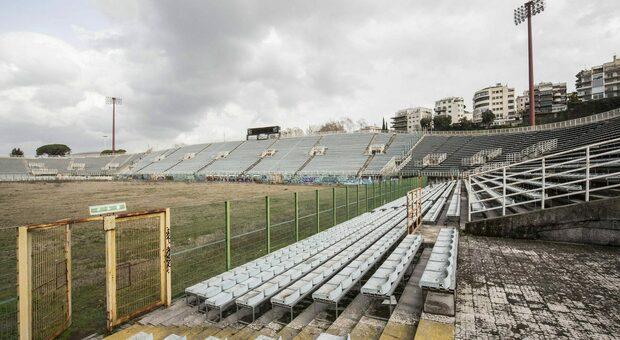 Roma, 21 tifosi della Roma scavalcano lo stadio Flaminio per girare un video: fermati e denunciati
