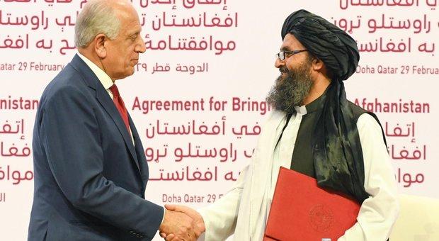 Trump e i talebani: firmato il patto che porta alla pace dopo 19 anni di guerra