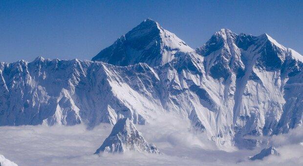 L'Everest è più alto: il nuovo calcolo di Cina e Nepal misura 86 centimetri in più