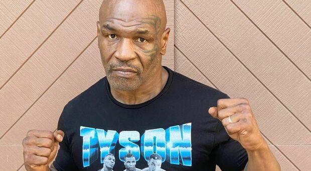 Mike Tyson lascia la dieta vegana: «Mangio solo carne di alce e bisonte»