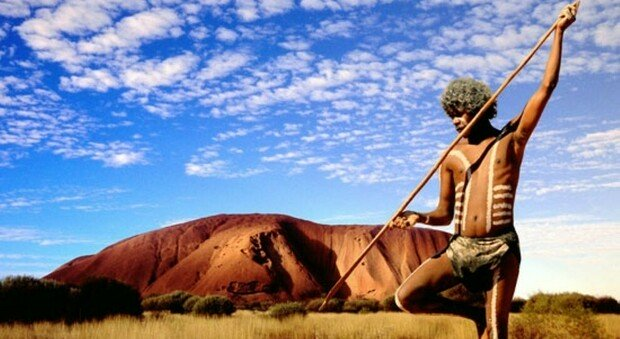 Fregon, città australiana dove per una comunità aborigena senza regole né polizia ogni crimine è concesso