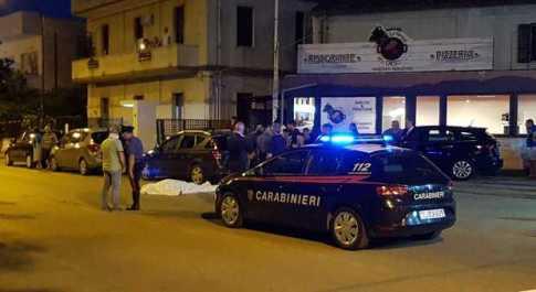 Pescara, litigano per un parcheggio: ucciso. Caccia all'omicida in fuga col Suv