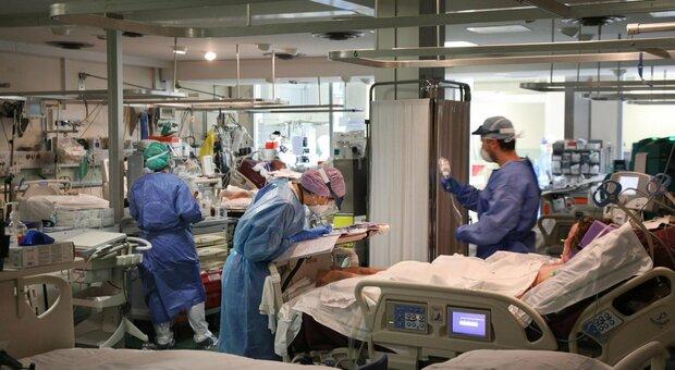 Rianimatori: «I nuovi posti in terapia intensiva reali sono in tutto 1500»