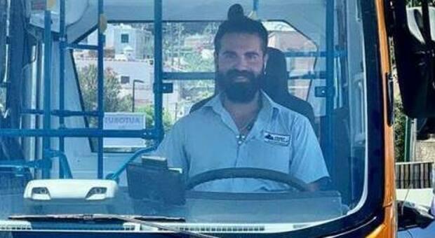 Bus precipitato a Capri, la compagna dell'autista Emanuele Melillo ha perso il bimbo di cui era in attesa