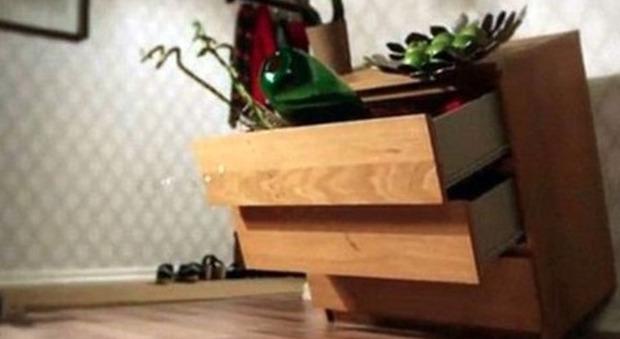 Credenza Ikea Rossa : Ikea otto bambini morti: lazienda ritira 29 milioni di cassettiere