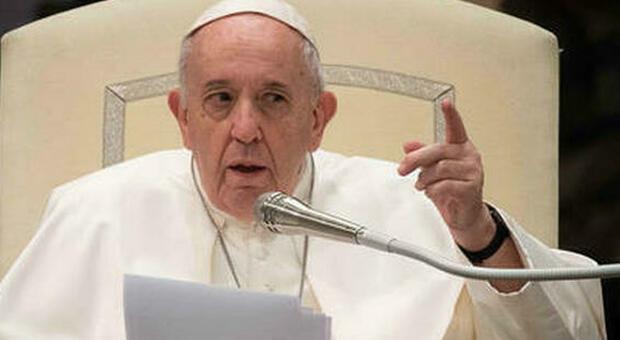 Papa Francesco indica la via per uscire dal Covid: bisogna passare dall'Io al Noi