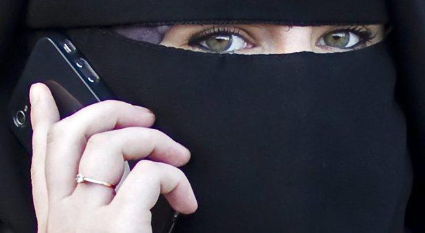 Arabia, addio divorzi segreti degli uomini: le mogli saranno avvisate da un sms