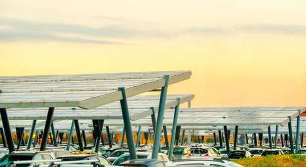 immagine Pannelli fotovoltaici, ambasciatori di sostenibilità energetica