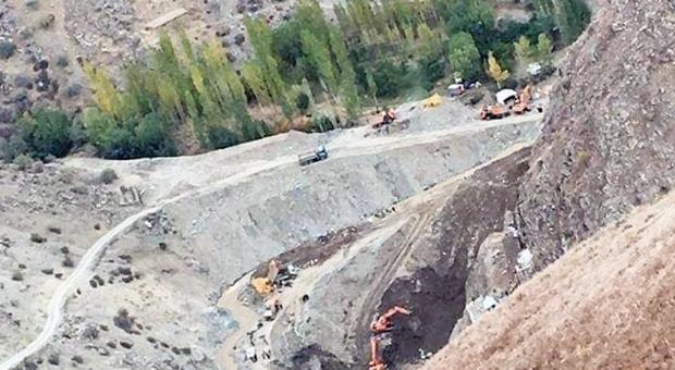 Afghanistan: crolla un tunnel in una miniera d'oro, almeno 30 morti