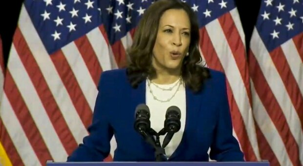 Convention democratica, la notte di Kamala Harris: «Stati Uniti più inclusivi con Joe Biden»