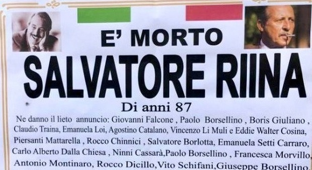 Mafia, «è morto Salvatore Riina»: a Ercolano spuntano manifesti funebri contro il boss
